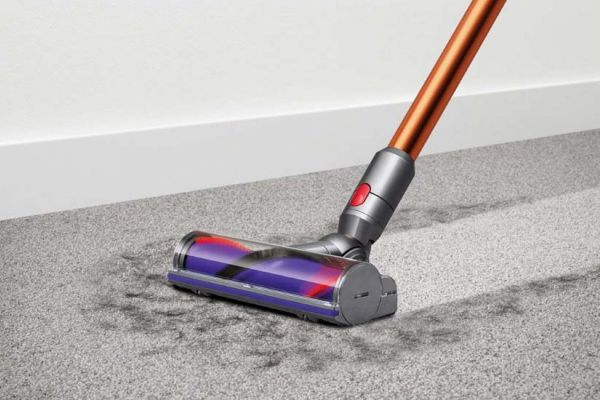 recensione dyson v10 absolute