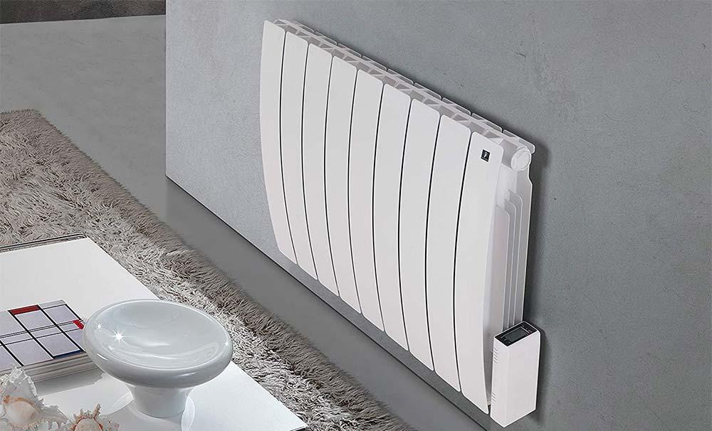 Un termosifone elettrico in funzione