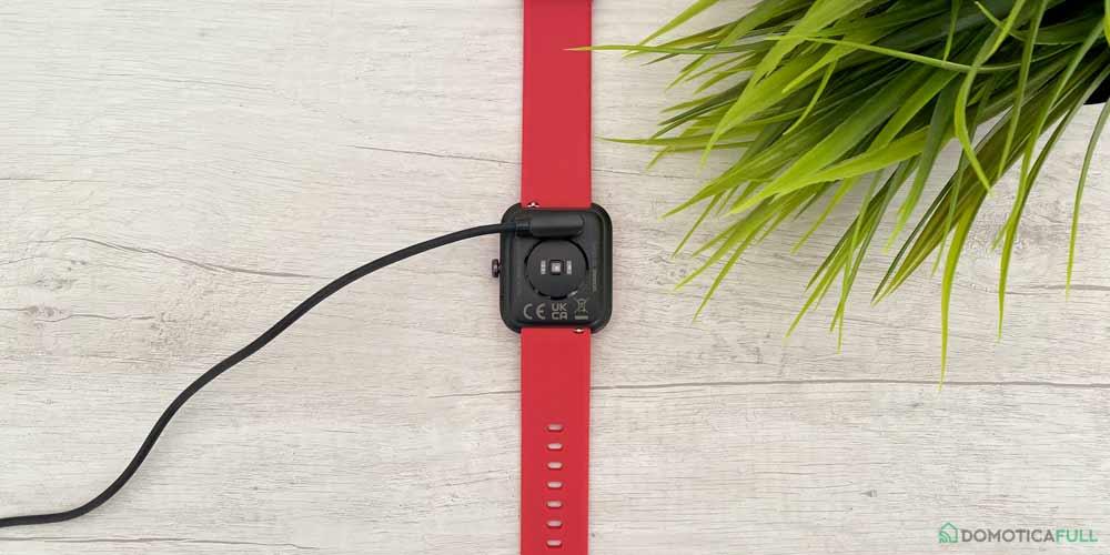 doogee cs2 pro smartwatch in ricarica